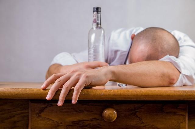 Como Parar de Beber: O Guia Definitivo Para Largar a Bebida De Vez